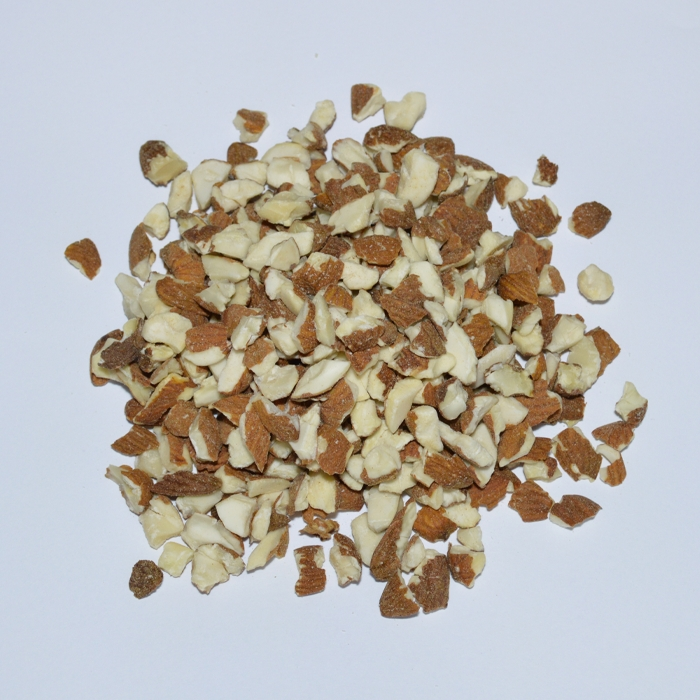 AMERICAN DICED ALMONDS (5-8mm)